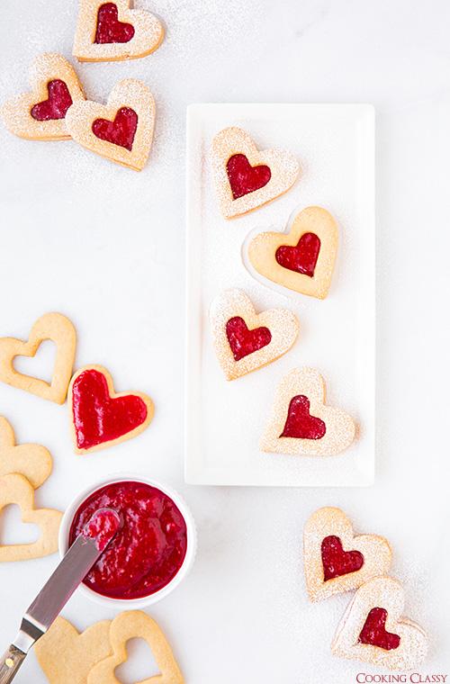 linzer-cookies2+text..jpg